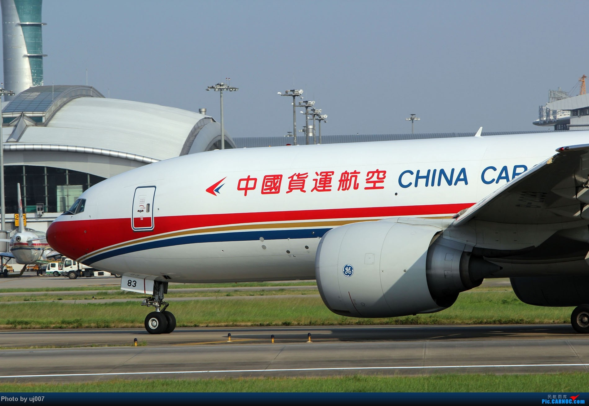 Re:[原创]10月2日白云拍机,超级多图系列(大飞机,特别妆,外航,闪灯,擦烟)求指点. BOEING 777-200LRF B-2083 中国广州白云机场