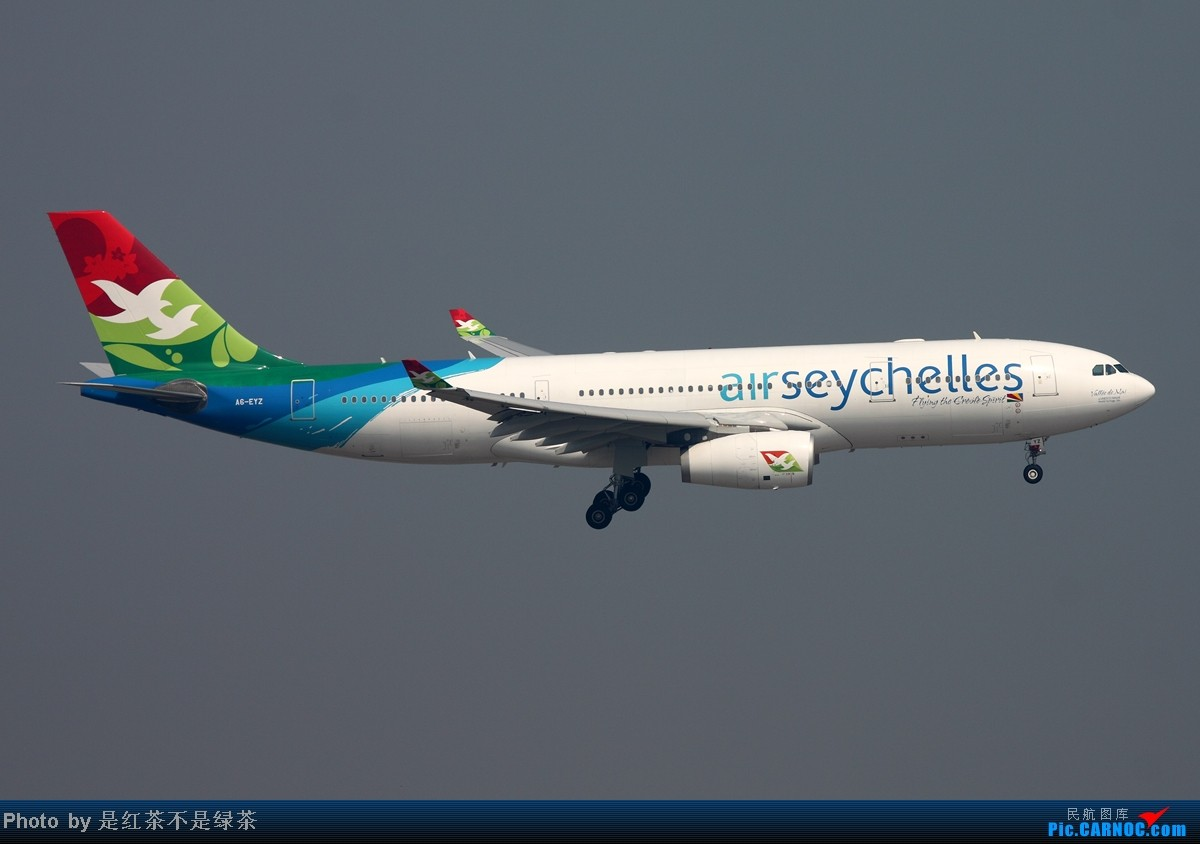 [原创]【红茶拍机】香港拍机第二日(10/7),众人拾柴火焰高,一早微博求助,在大家的帮助下把最美丽的航空公司拿下! AIRBUS A330-200 A6-EYZ 中国香港赤鱲角国际机场
