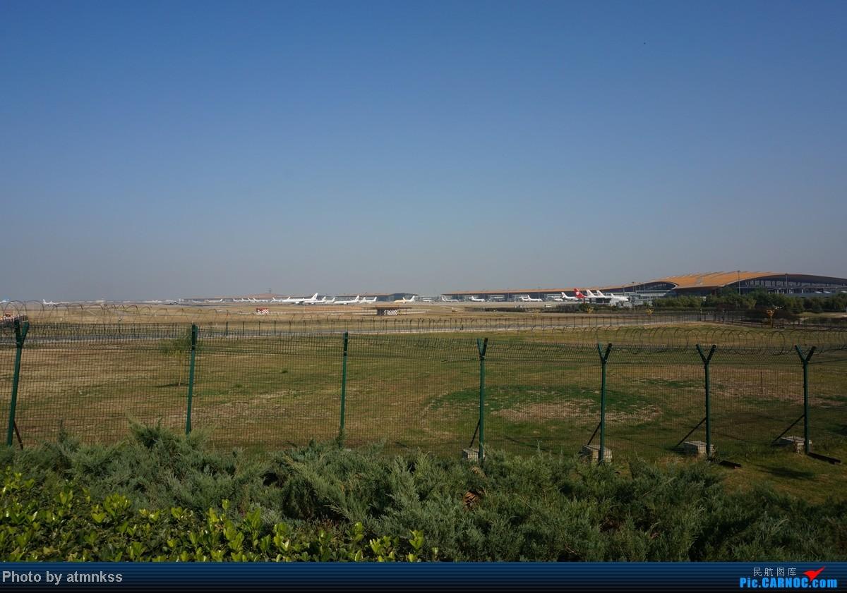 Re:[原创][Atm]10月26八卦台+停车场拍机 终于来到传说中的八卦台 国航两架大猩猩    中国北京首都机场