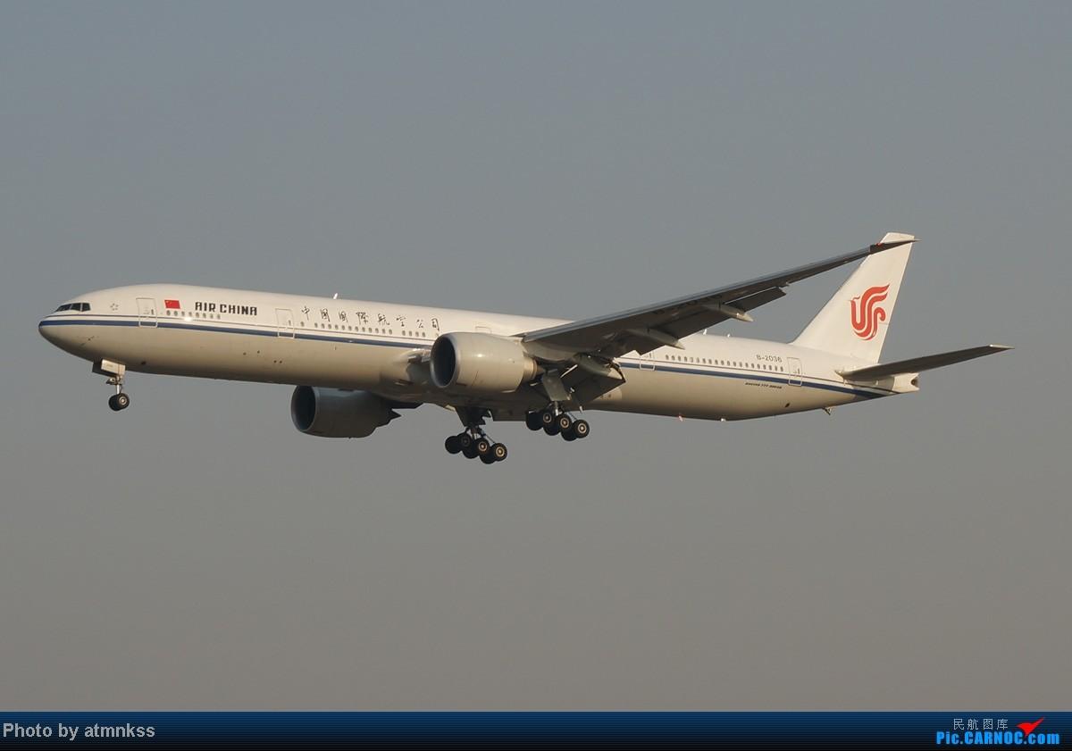 Re:[原创][Atm]10月26八卦台+停车场拍机 终于来到传说中的八卦台 国航两架大猩猩 BOEING 777-300 B-2036 中国北京首都机场