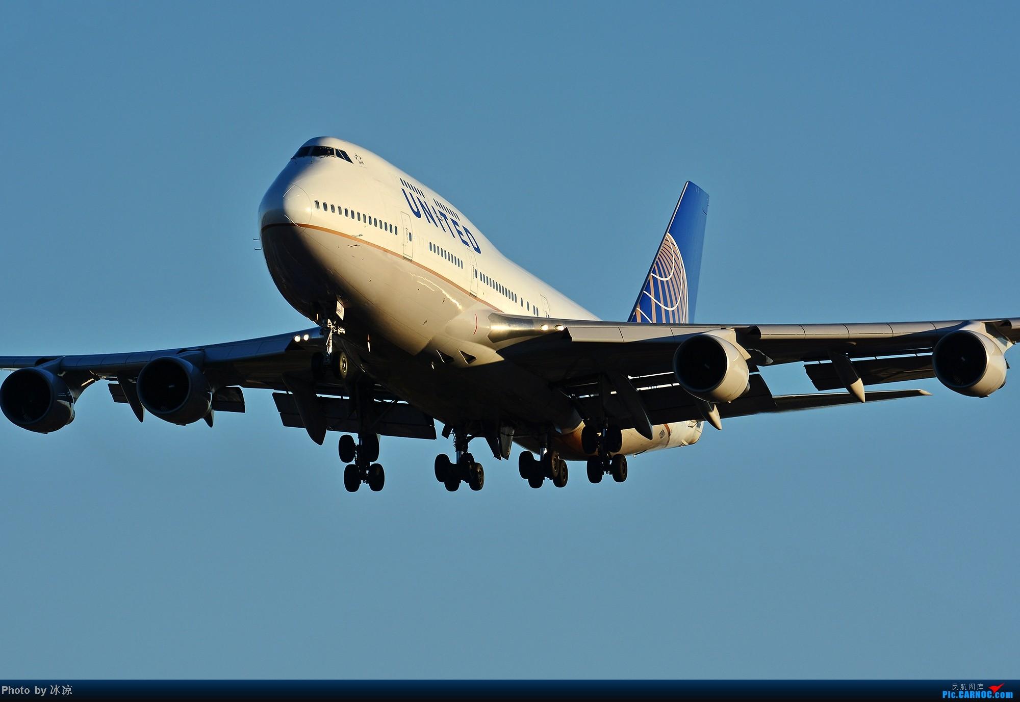 [原创]傍晚的超清晰美联航大鹅! BOEING 747-400 N199UA 中国北京首都机场