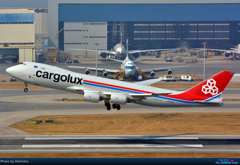 Re:[原创]~~~~六圖系列~~~~HKG的山頭25角度,外航晚拉的飛機! BOEING 747-8 LX-VCC 中国香港赤鱲角国际机场