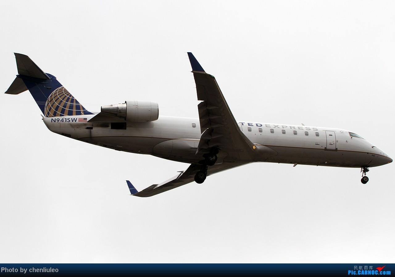 Re:[原创]【杭州飞友会】LAX拍机。阴天。傍晚。逆光。亮点不多。 BOMBARDIER (CANADAIR) CRJ-200ER N941SW 美国洛杉矶机场
