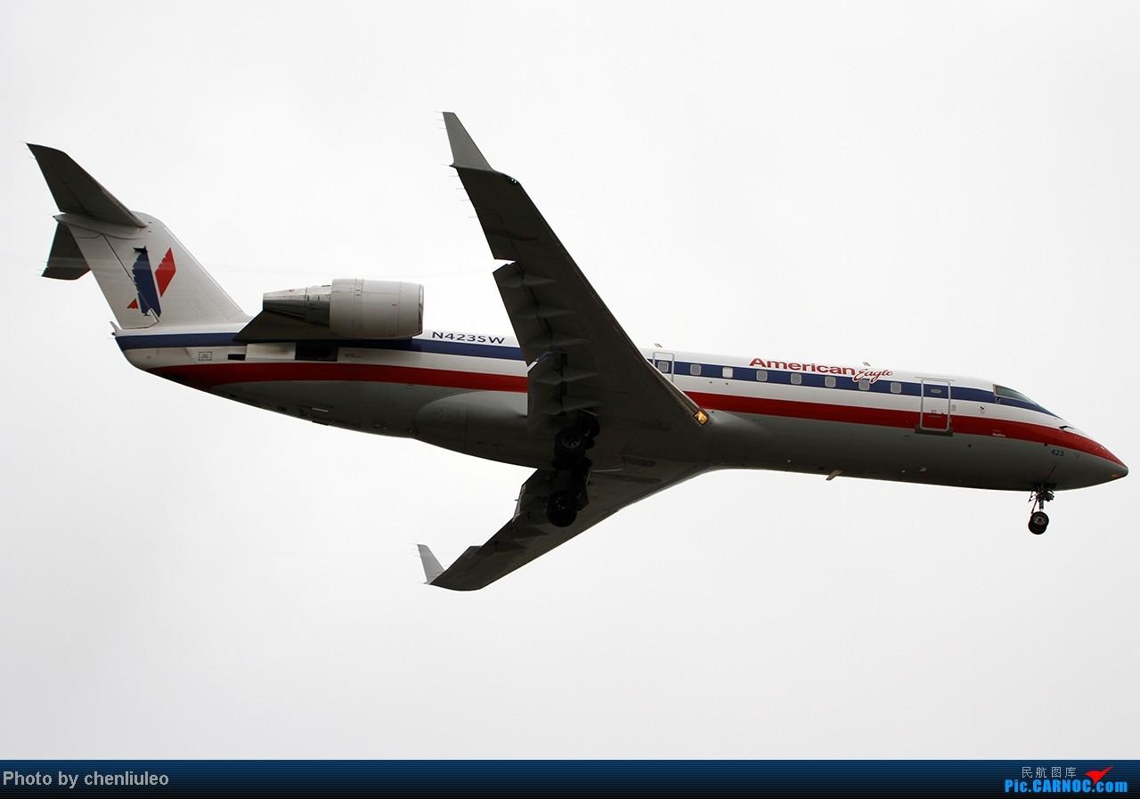 Re:[原创]【杭州飞友会】LAX拍机。阴天。傍晚。逆光。亮点不多。 BOMBARDIER (CANADAIR) CRJ-200LR N432SW 美国洛杉矶机场