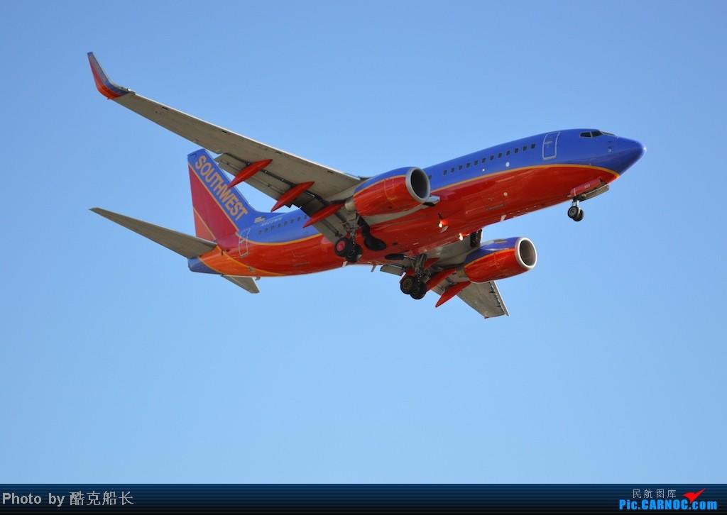 Re:[原创][飞吧飞吧飞] 年末LAX拍机 一堆一堆的小风扇区域航班 有时候禁不住就要卖弄文艺 拍累了咱就找点吃的 新年快乐 NO.006 BOEING 737-700 N923WN LAX