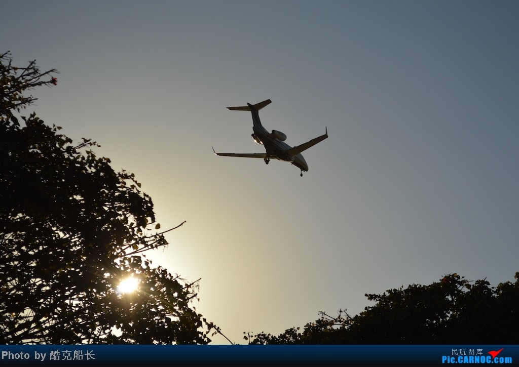 Re:[原创][飞吧飞吧飞] 年末LAX拍机 一堆一堆的小风扇区域航班 有时候禁不住就要卖弄文艺 拍累了咱就找点吃的 新年快乐 NO.006 EMBRAER EMB-505 PHENOM 300 N314FL LAX