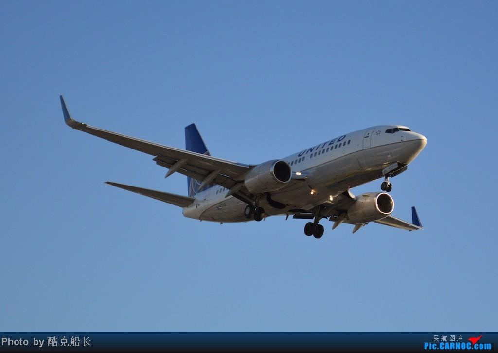 Re:[原创][飞吧飞吧飞] 年末LAX拍机 一堆一堆的小风扇区域航班 有时候禁不住就要卖弄文艺 拍累了咱就找点吃的 新年快乐 NO.006 BOEING 737-700 N15710 LAX