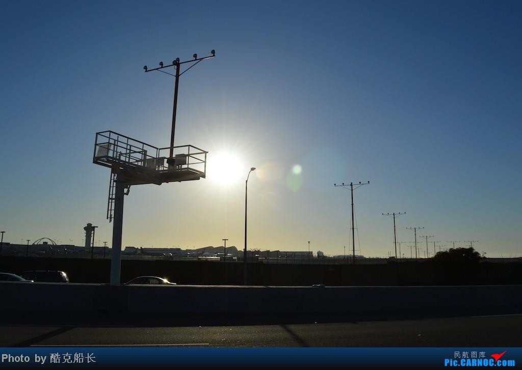 Re:[原创][飞吧飞吧飞] 年末LAX拍机 一堆一堆的小风扇区域航班 有时候禁不住就要卖弄文艺 拍累了咱就找点吃的 新年快乐 NO.006    美国洛杉矶机场