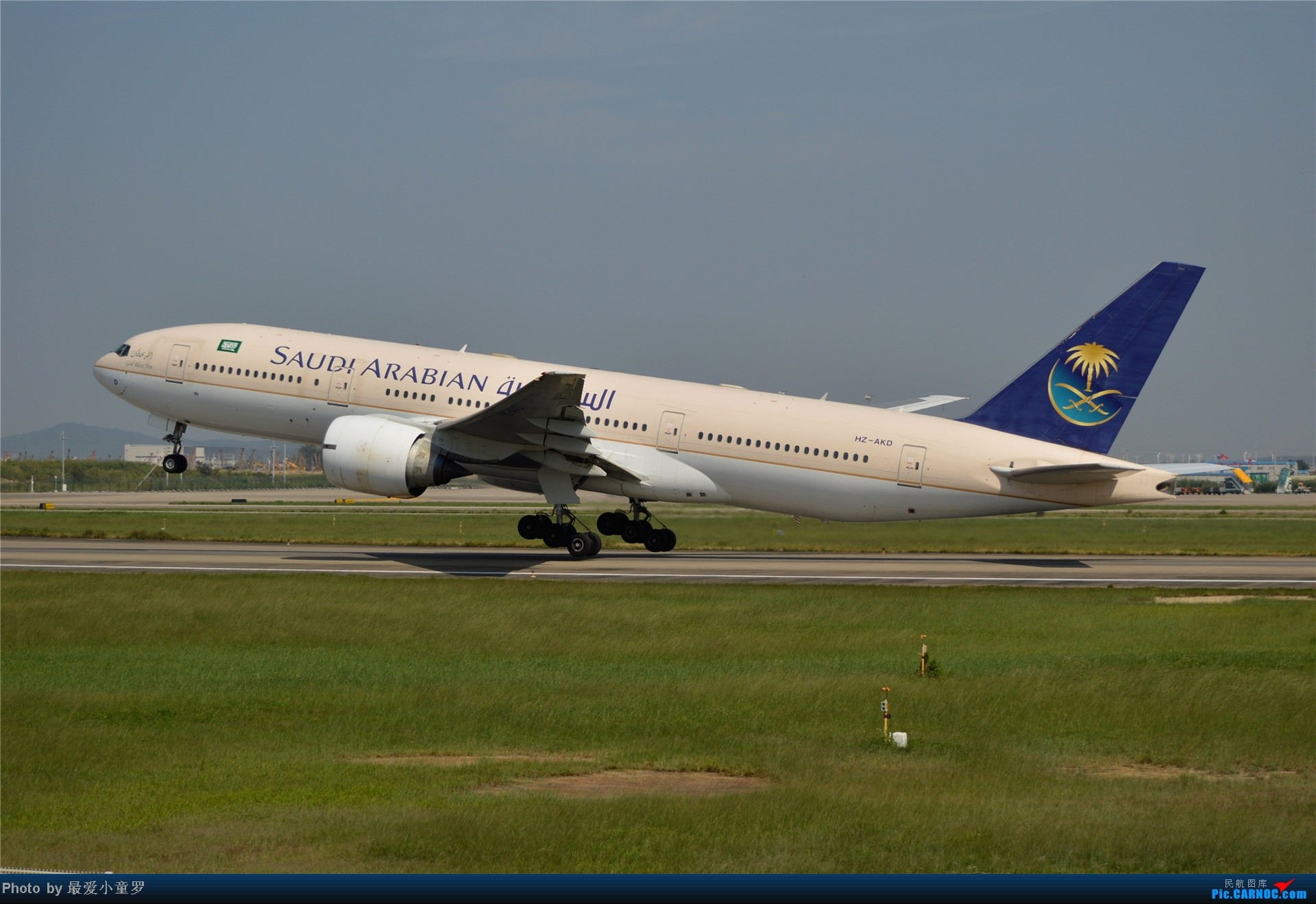 Re:[原创]炒冷饭贴之13年10月2日CAN拍机杂图系列 BOEING 777-200 HZ-AKD