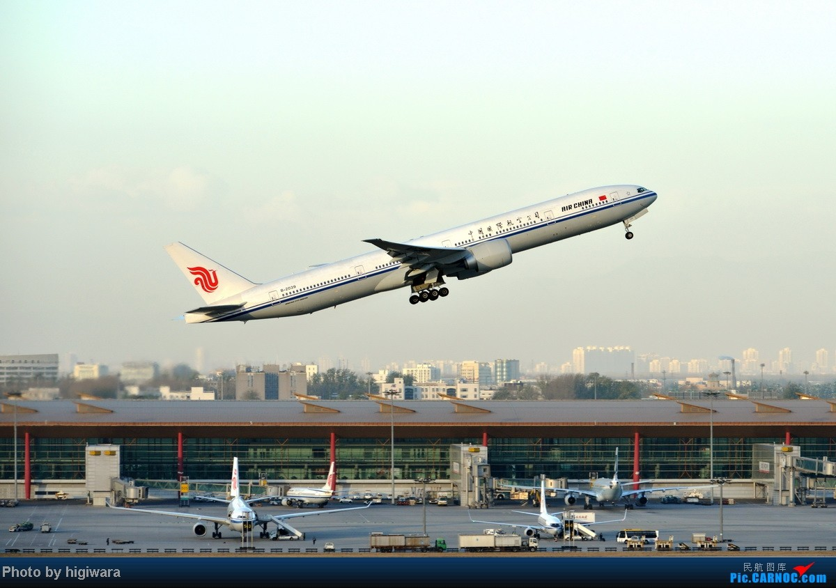 Re:[原创]2013年的一些杂图 BOEING 777-300 B-2039 中国北京首都机场