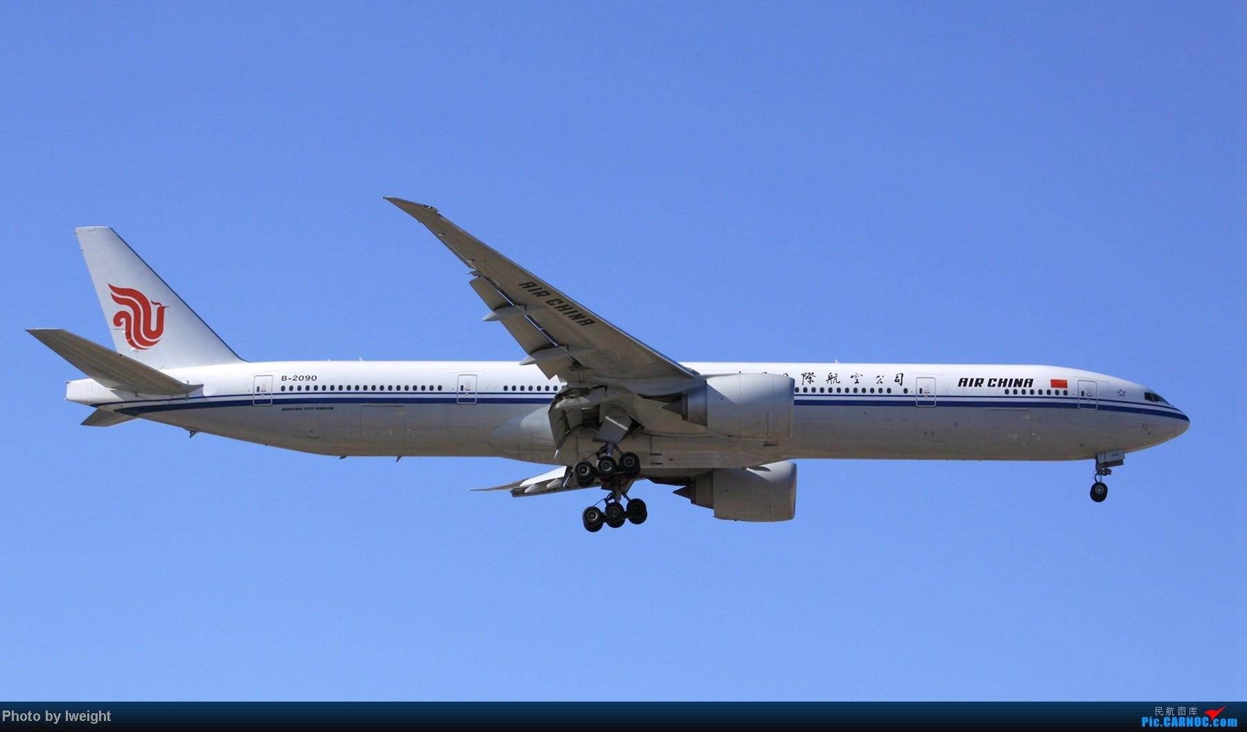 Re:[原创]春节期间首都机场拍机汇报 BOEING 777-300 B-2090 中国北京首都机场