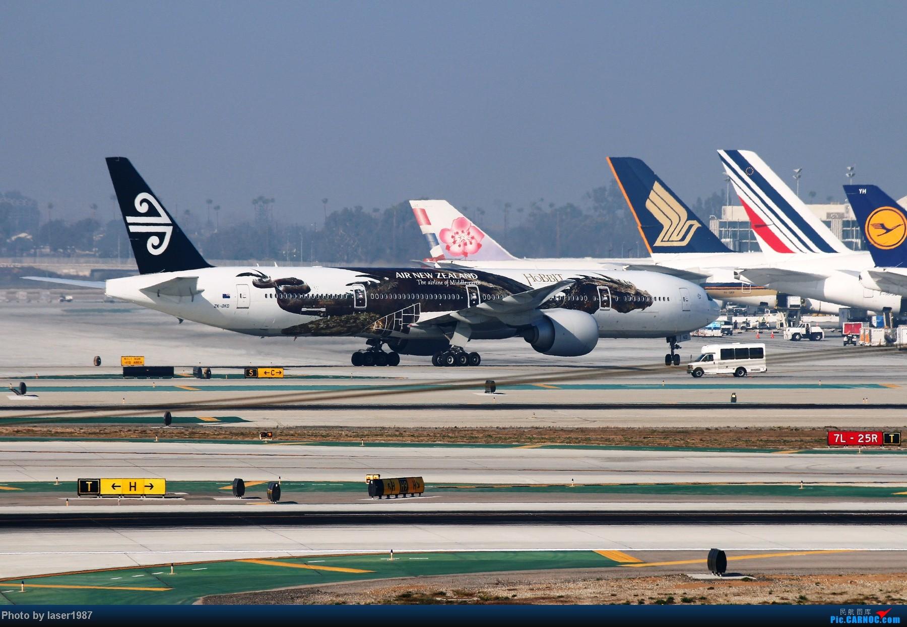 Re:[原创]2011.12.25 LAX 24R跑道东侧停车场拍飞机 BOEING 777-300ER ZK-DKD LAX