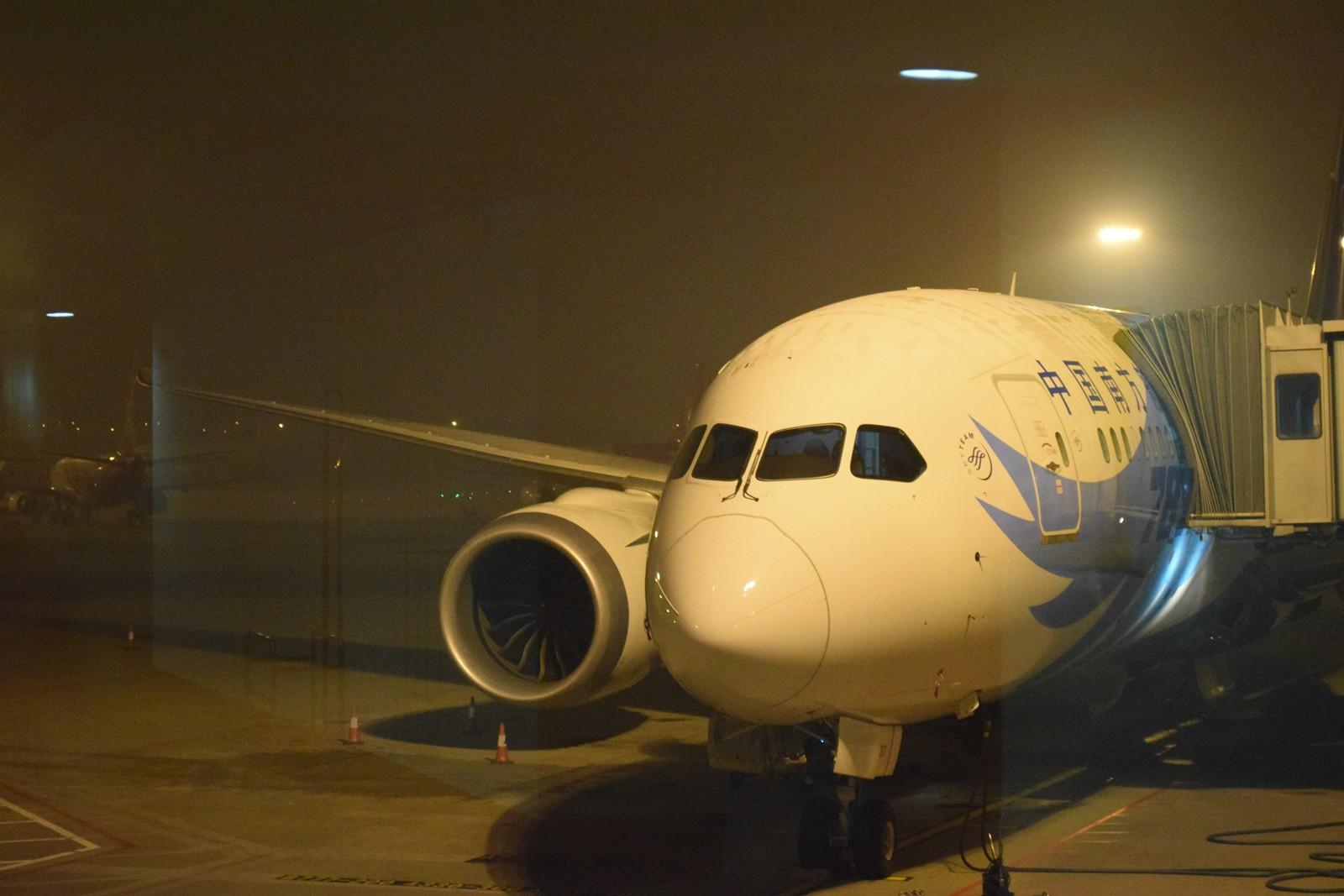 [原创]大年三十除夕夜,三万英尺云霄间。 BOEING 787 B-2727 中国广州白云机场