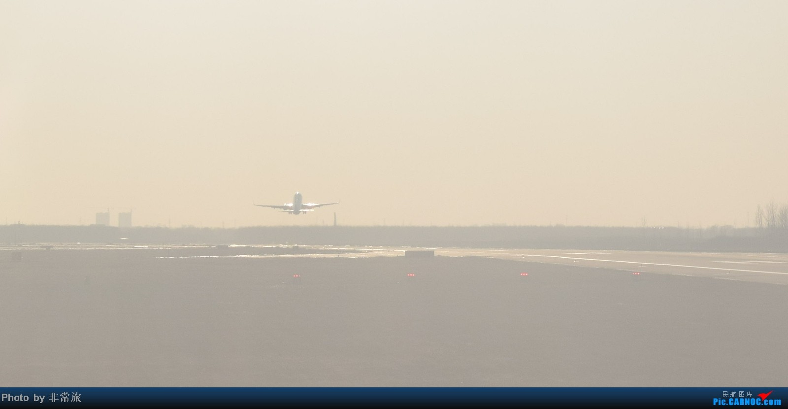 Re:[原创]大年三十除夕夜,三万英尺云霄间。 BOEING 737-800 B-5768 中国沈阳桃仙机场