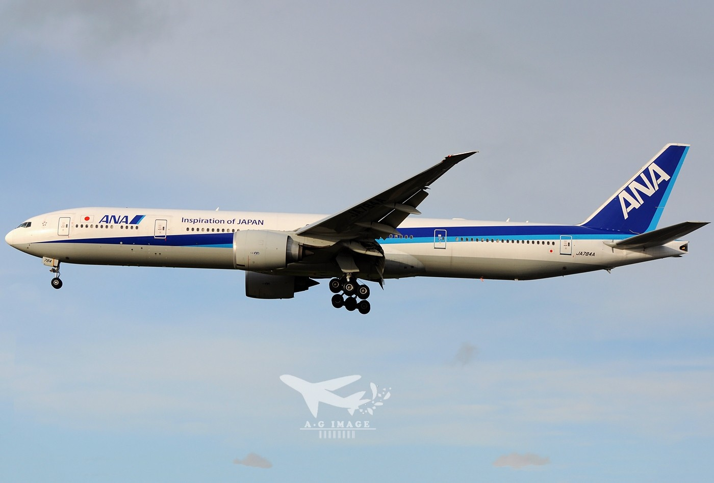Re:[原创]【七彩天空】--八张来自LHR的77w大图,看到血脉喷张! BOEING 777-300 JA784A 英国伦敦希思罗机场