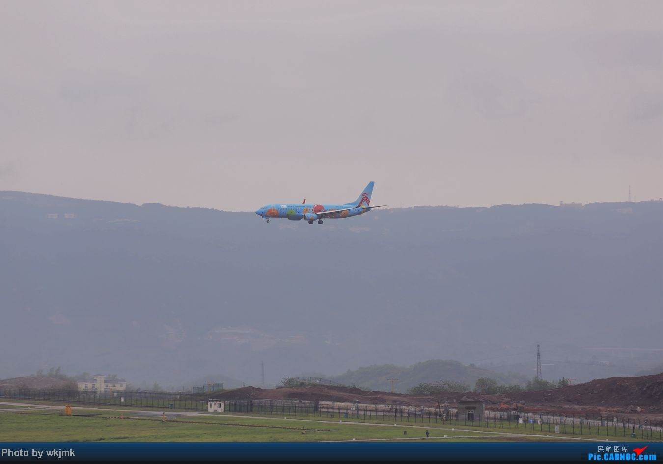 Re:[原创]在CKG拍机发现一个不明的航空公司 BOEING 737-800 B-5606 中国重庆江北机场