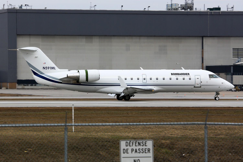 "Re:[原创]【YUL】**********机龄34.6年的古董飞机:B737-200,另Jacques-de-Lesseps观景公园看""公务机展""********** CANADAIR CL-600-2B19 REGIONAL JET CRJ-200ER N591ML 加拿大蒙特利尔特鲁多机场"