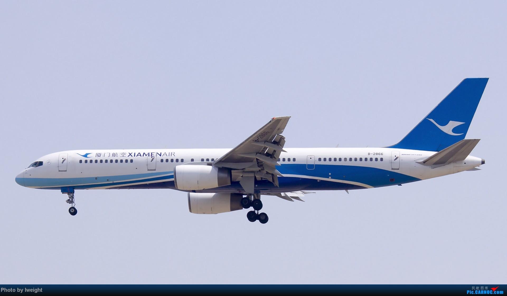 [原创]错过了卡航的巴塞罗那号,只有这些大路货了,泪奔啊 BOEING 757-200 B-2866 中国北京首都机场