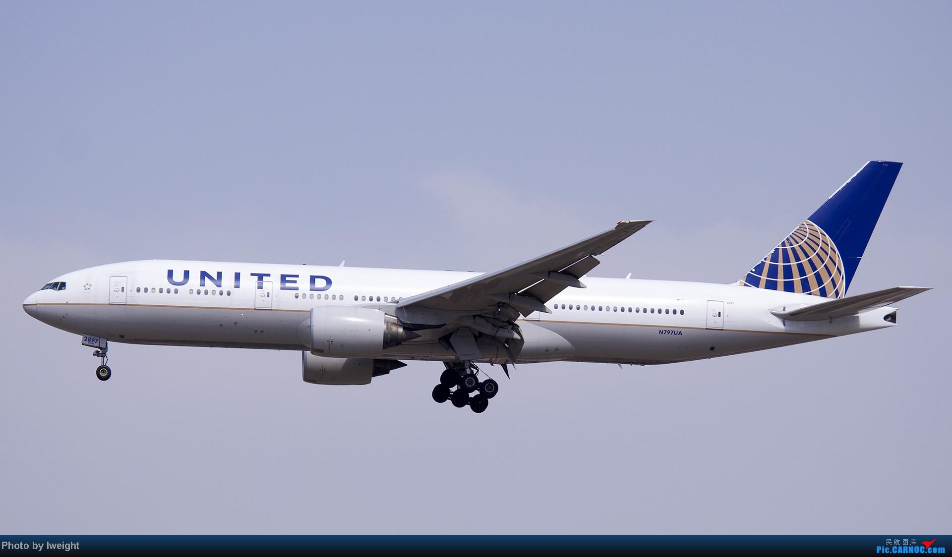 Re:[原创]5月3日首都机场风云变幻的下午 BOEING 777-200 N797UA 中国北京首都机场