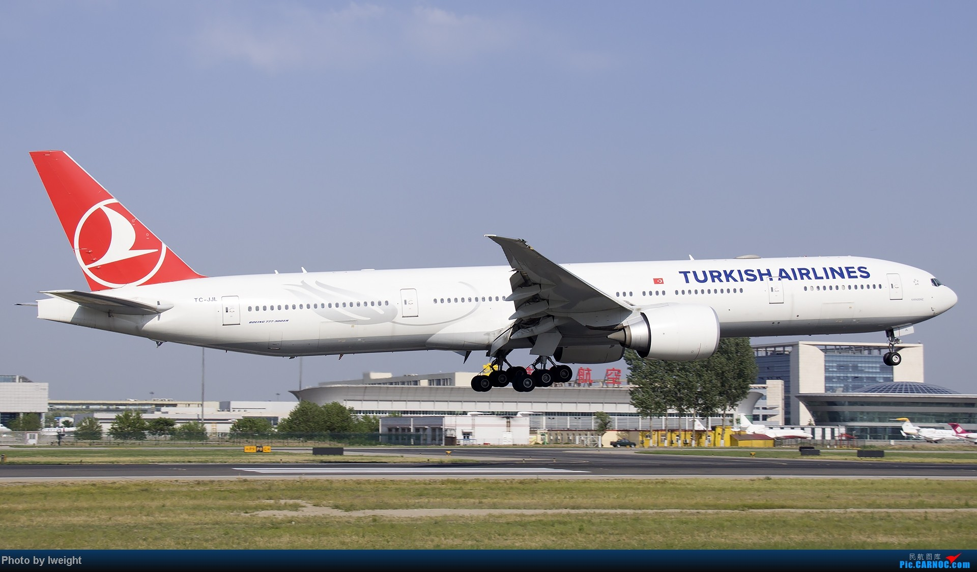 Re:[原创]5月12日PEK好天从01→19→18R BOEING 777-300 TC-JJL 中国北京首都机场