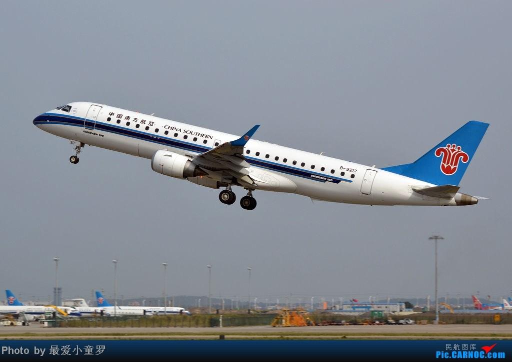 Re:[原创]炒冷饭之最后一次在CAN三炮工地拍机 EMBRAER E-190 B-3217 中国广州白云机场
