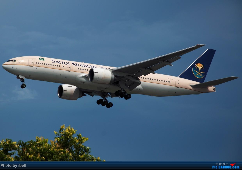 Re:[原创]【SIN樟宜拍机】星航'白星星',沙特阿拉伯,不丹皇家航空,荷兰皇家航空,卖萌的中货航744F。。。 BOEING 777-268(ER) HZ-AKB 新加坡樟宜机场