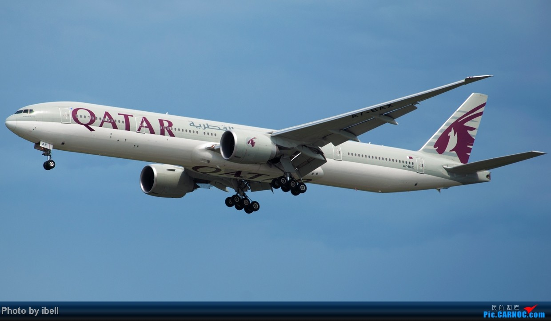 Re:[原创]【SIN樟宜拍机】星航'白星星',沙特阿拉伯,不丹皇家航空,荷兰皇家航空,卖萌的中货航744F。。。 BOEING 777-3DZ(ER) A7-BAX 新加坡樟宜机场