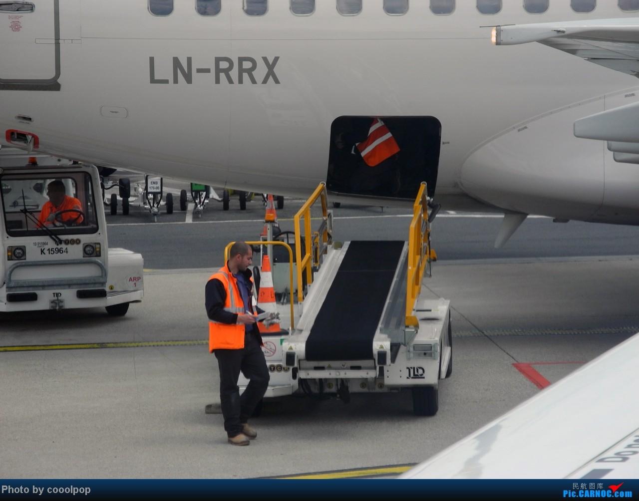 Re:[原创]继续继续! 巴黎凡尔赛宫!以及巴黎 经停 法兰克福 回北京!! 继续我的汉莎之旅!(2014年第5帖) BOEING 737-683 LN-RRX 法国戴高乐机场