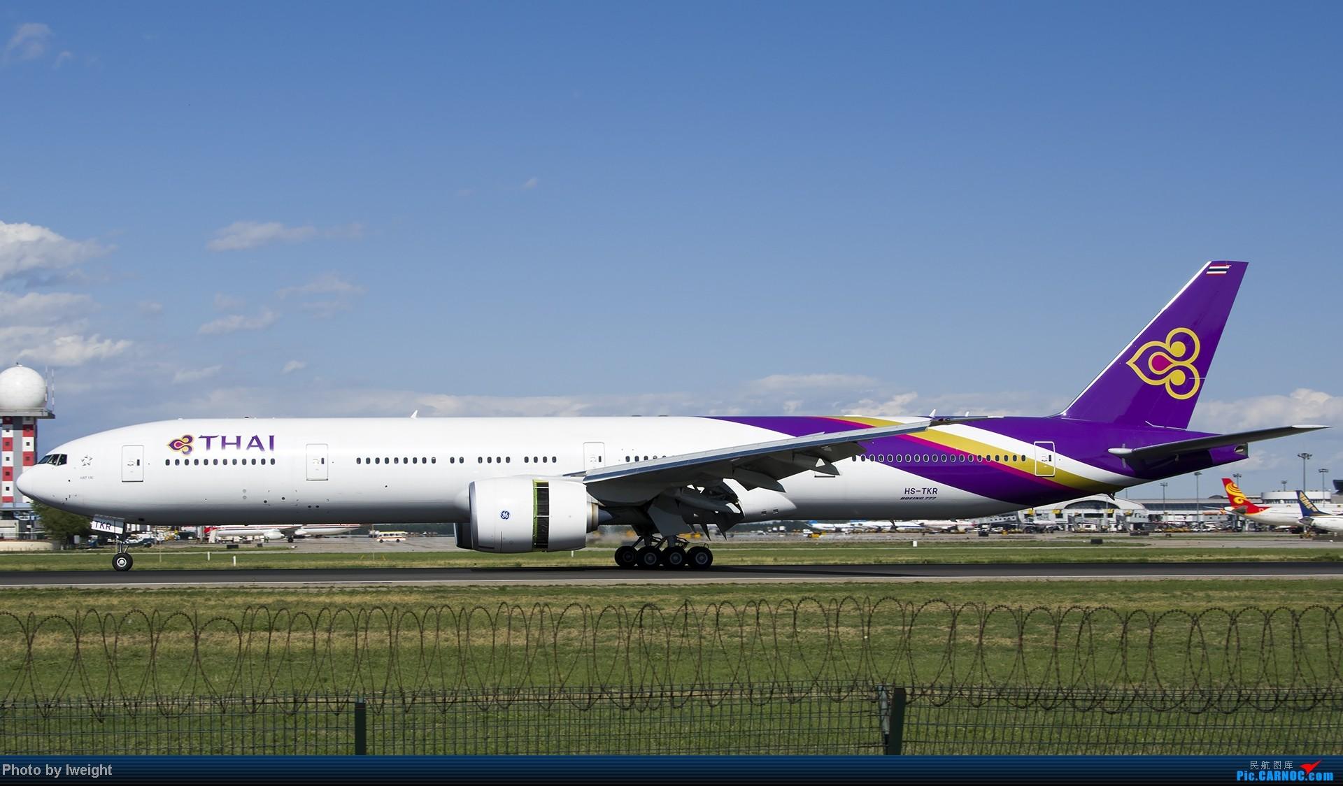 Re:[原创]新相机+好天气,PEK试机乱拍 BOEING 777-300ER HS-TKR 中国北京首都机场
