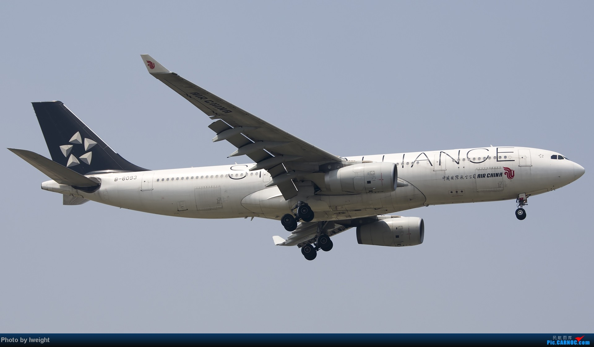 Re:[原创]休假无聊,跑道边来拍机玩(晚点的ZestAir、换装的B6100和刚交付的B2738等) AIRBUS A330-200 B-6093 中国北京首都机场