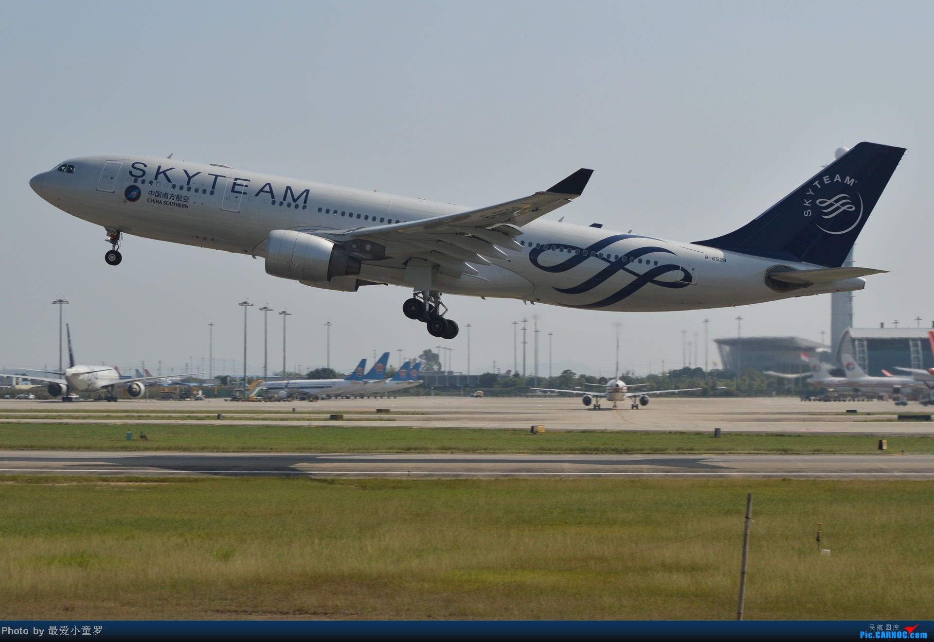 Re:[原创]老图系列,13年11月15日广州白云机场西跑拍机 AIRBUS A330-200 B-6528 中国广州白云机场