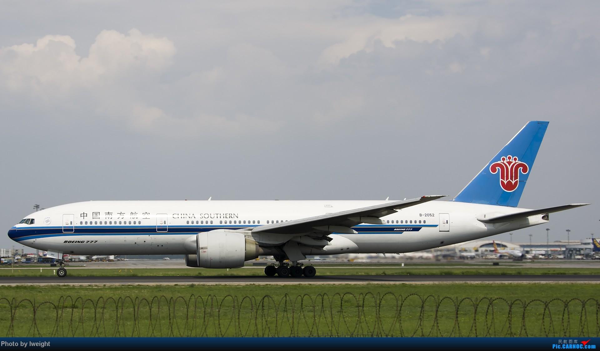 Re:[原创]20号下午机场随拍(国内最新的787-8) BOEING 777-200 B-2052 中国北京首都机场