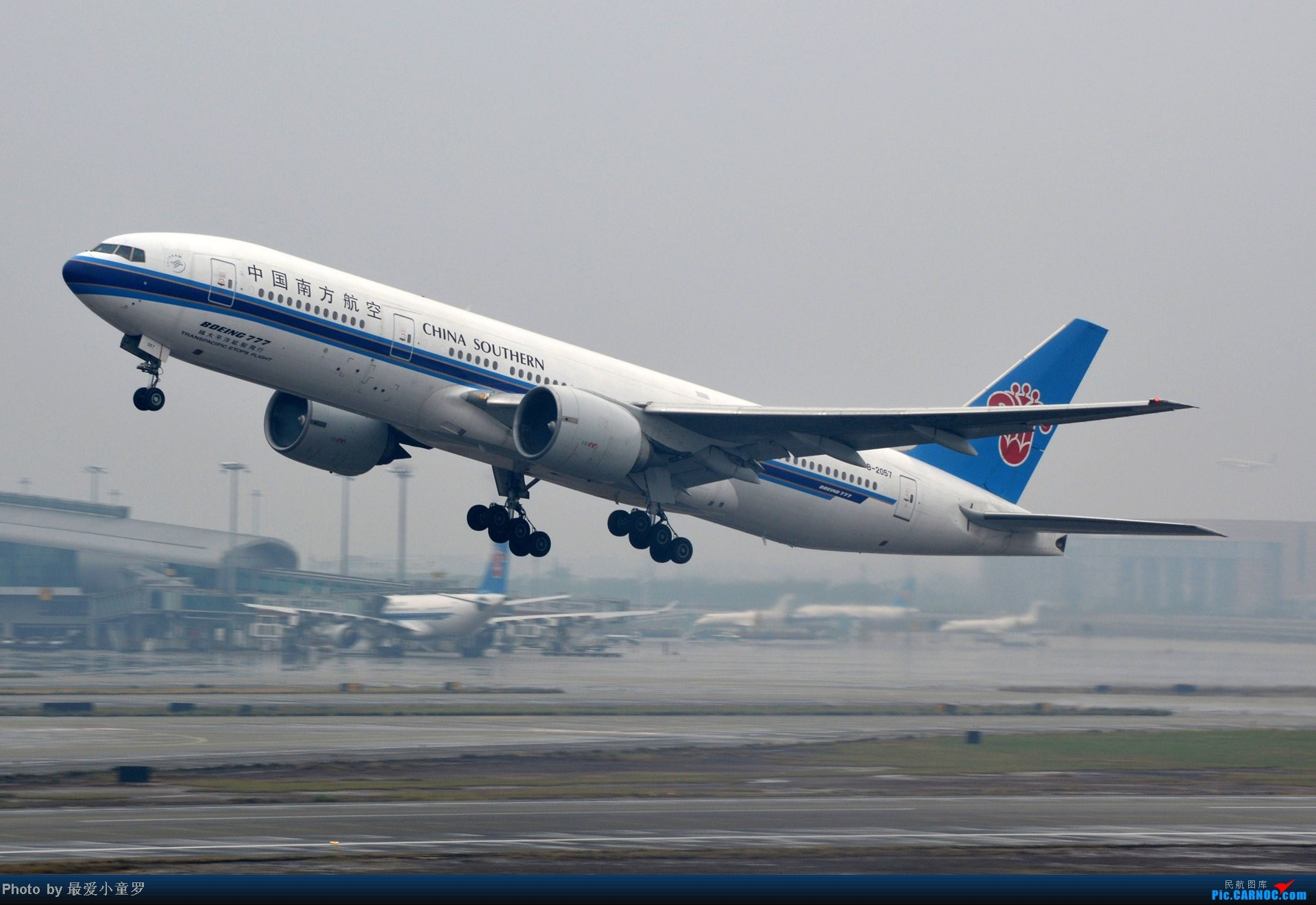 Re:[原创]去年在CAN拍国航757退役时候的那个冷雨周末 BOEING 777-200 B-2057 中国广州白云机场