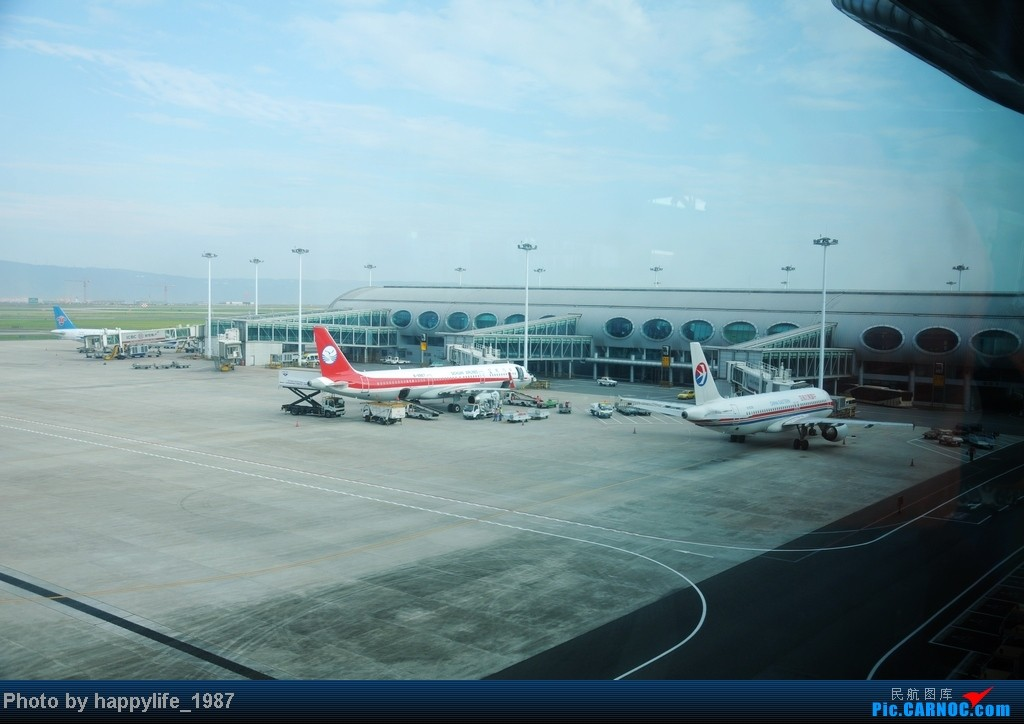 Re:[原创]CKG——JIQ(黔江),华夏CRJ200小铅笔往返 AIRBUS A321-200 B-9967 中国重庆江北机场 中国重庆江北机场