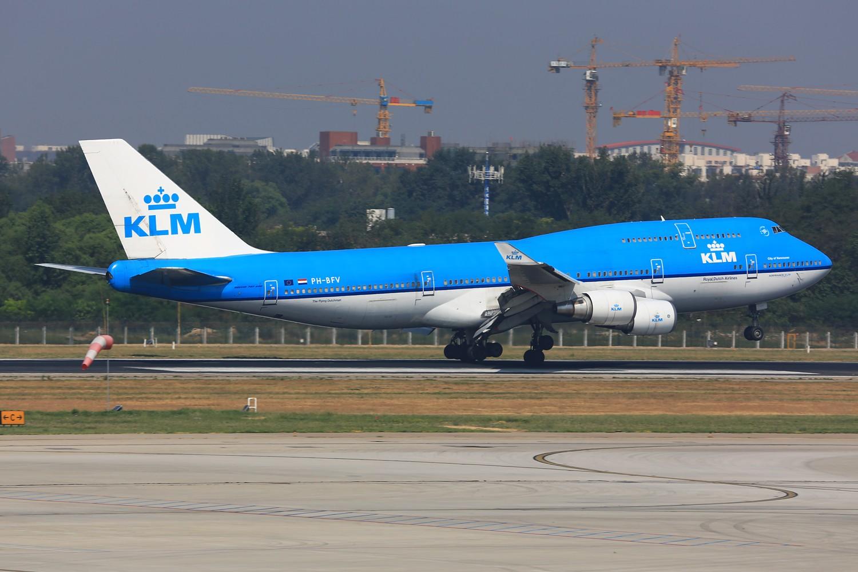 Re:[原创]【PEK】**********帝都36L落地一组:埃及332,埃塞俄比亚77L,伊朗747SP,南非346********** BOEING 747-400 PH-BFV 中国北京首都机场