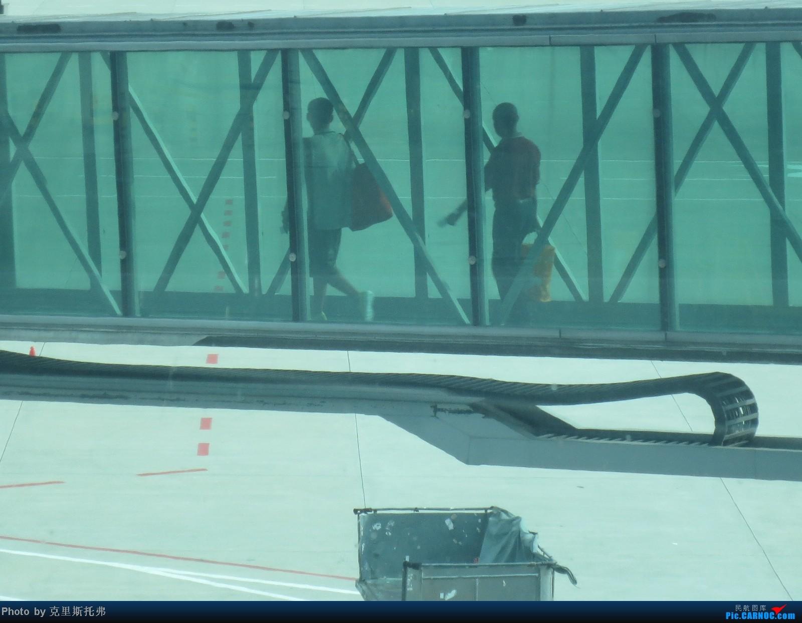 Re:[原创]【广州,你好!】八月齐鲁行 第一集 {初到齐鲁城} 不期而遇,鹏程行万里 相伴相惜,享飞行至美 AIRBUS A320-200 B-6725