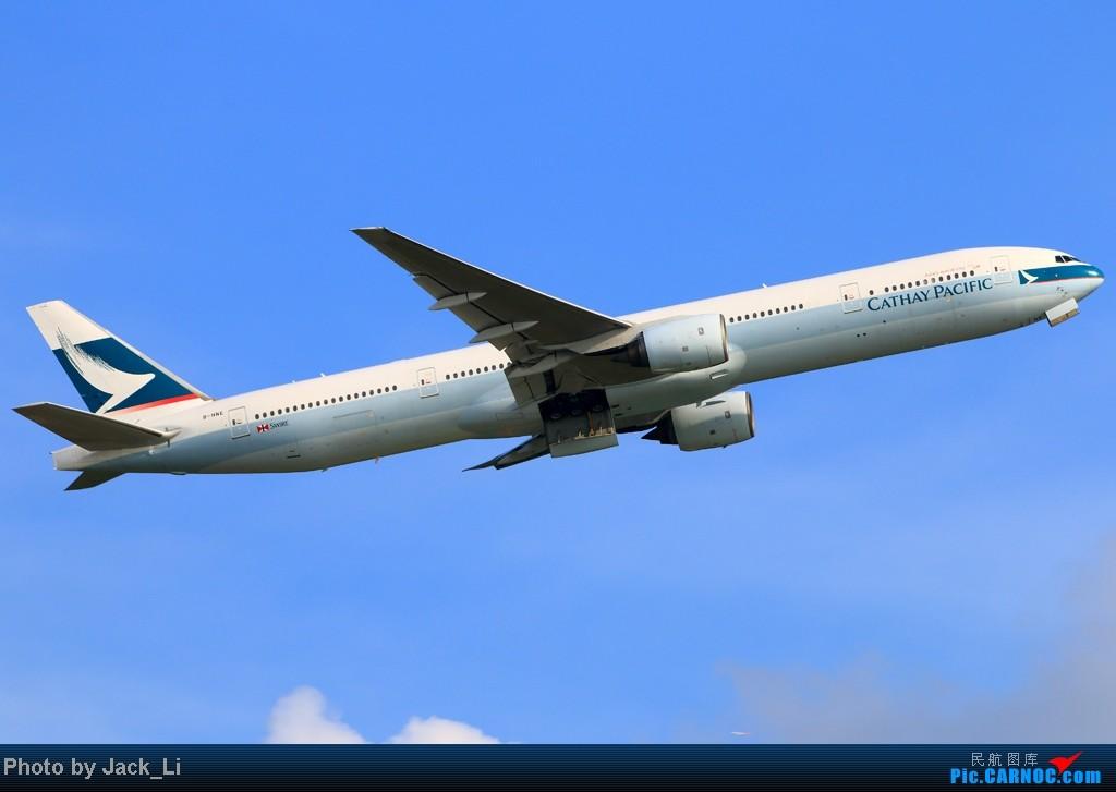 Re:[原创]2014年8月16日 香港机场拍机(第一次去维修区拍机,云们舞集彩绘,飞天熊猫。) BOEING 777-300 B-HNE 中国香港赤鱲角机场