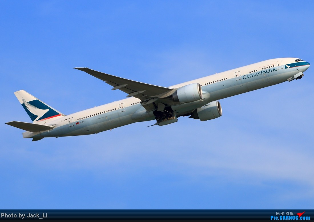 Re:[原创]2014年8月16日 香港机场拍机(第一次去维修区拍机,云们舞集彩绘,飞天熊猫。) BOEING 777-300 B-KPN 中国香港赤鱲角机场