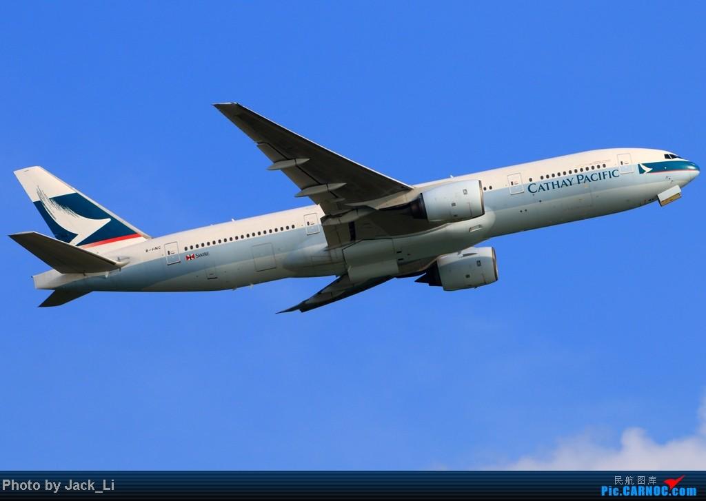 Re:[原创]2014年8月16日 香港机场拍机(第一次去维修区拍机,云们舞集彩绘,飞天熊猫。) BOEING 777-200 B-HNC 中国香港赤鱲角机场