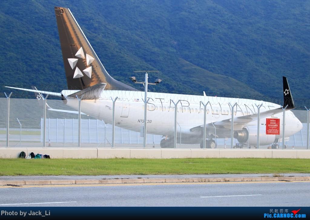 Re:[原创]2014年8月16日 香港机场拍机(第一次去维修区拍机,云们舞集彩绘,飞天熊猫。) BOEING 737-700 N13720 中国香港赤鱲角机场