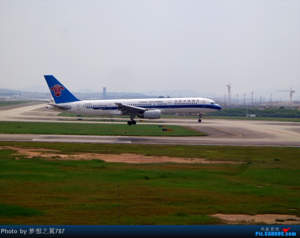 Re:[原创]2014.8.26北区+鬼屋拍机 BOEING 757-200 B-2830 中国广州白云机场