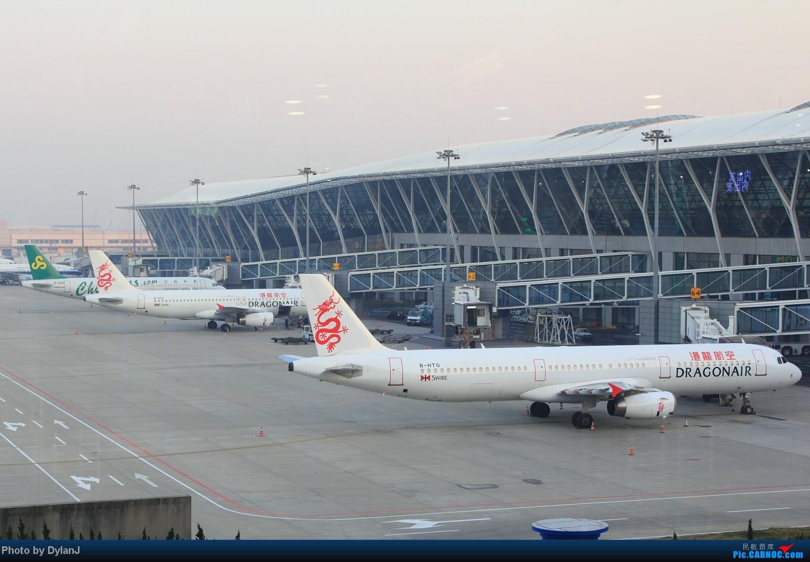 [原创]【Feeyo @ XMN】过去一年内的浮光掠影 AIRBUS A320-200 B-HSP 中国上海浦东机场 中国上海浦东机场