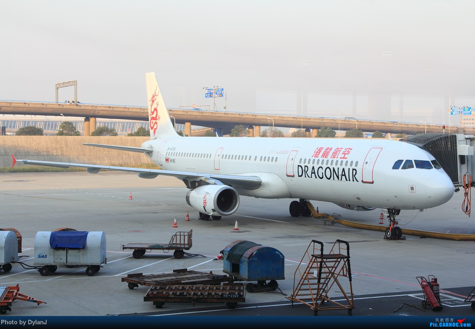 Re:[原创]【Feeyo @ XMN】过去一年内的浮光掠影 AIRBUS A321-200 B-HTG 中国上海浦东机场