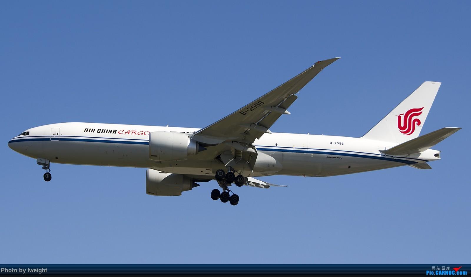 Re:[原创]难得赶上PEK周末好天气,各种常见机型都有收获 BOEING 777-200 B-2098 中国北京首都机场