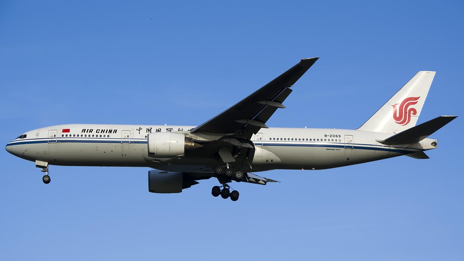 Re:[原创]难得赶上PEK周末好天气,各种常见机型都有收获 BOEING 777-200 B-2069 中国北京首都机场