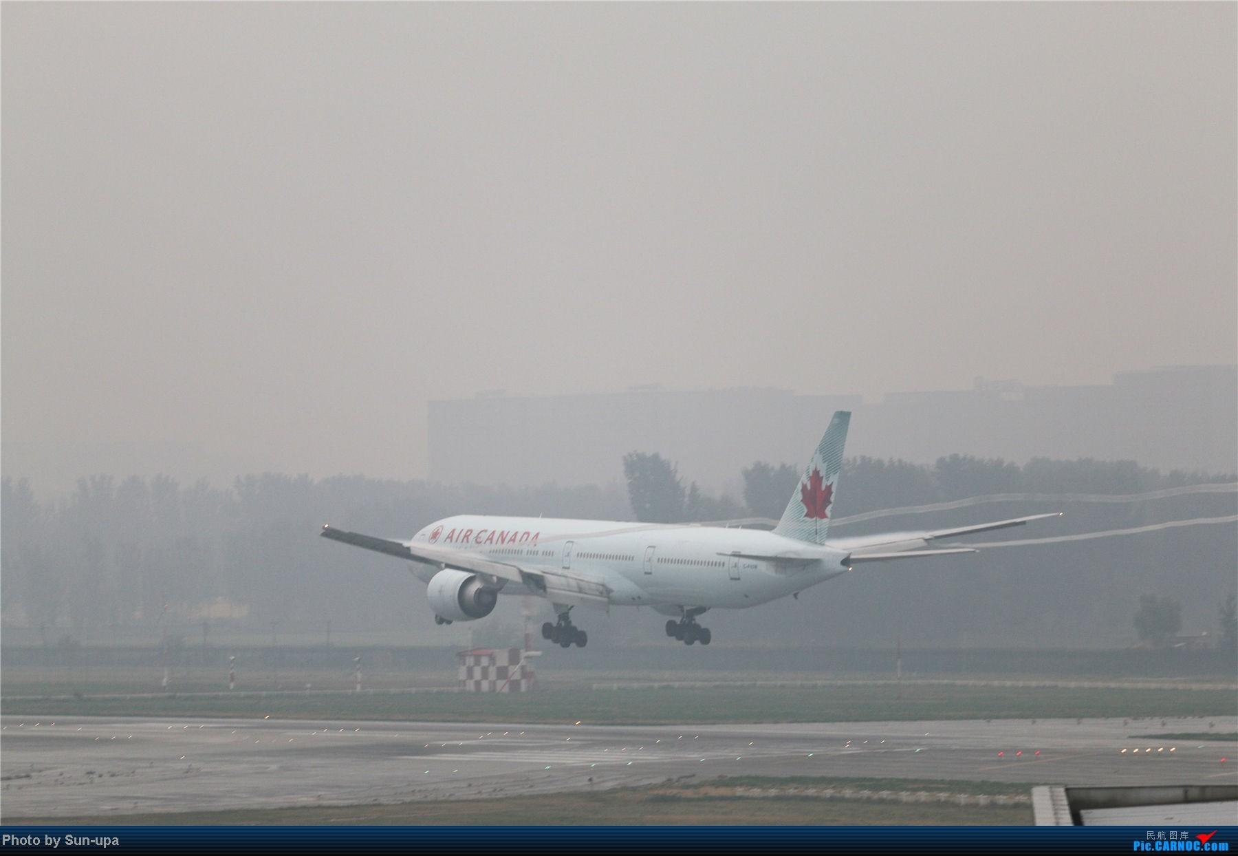 Re:[原创]冷雨天冒着雨拍了一下午 终于等到国航747-8 还有很多好货 BOEING 777-300ER C-FIUW 中国北京首都机场