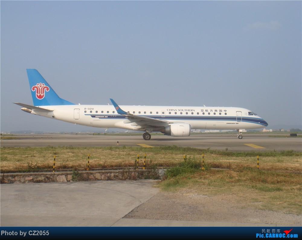 Re:[原创]2104.10.02白云机场02R围栏拍机 E-190 B-3210 中国广州波音机场