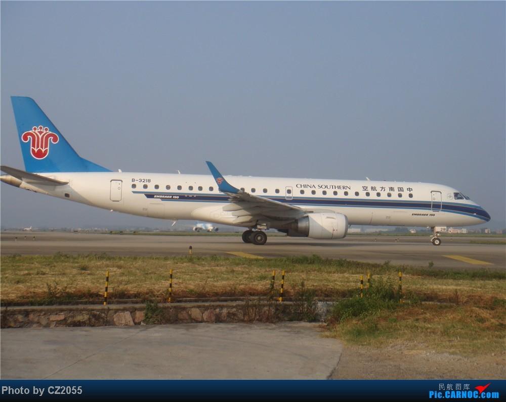 Re:[原创]2104.10.02白云机场02R围栏拍机 E-190 B-3218 中国广州白云机场