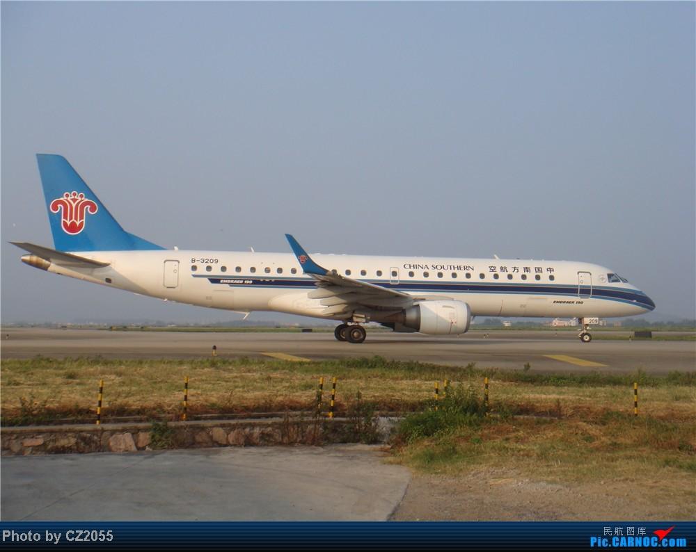 Re:[原创]2104.10.02白云机场02R围栏拍机 E-190 B-3209 中国广州白云机场