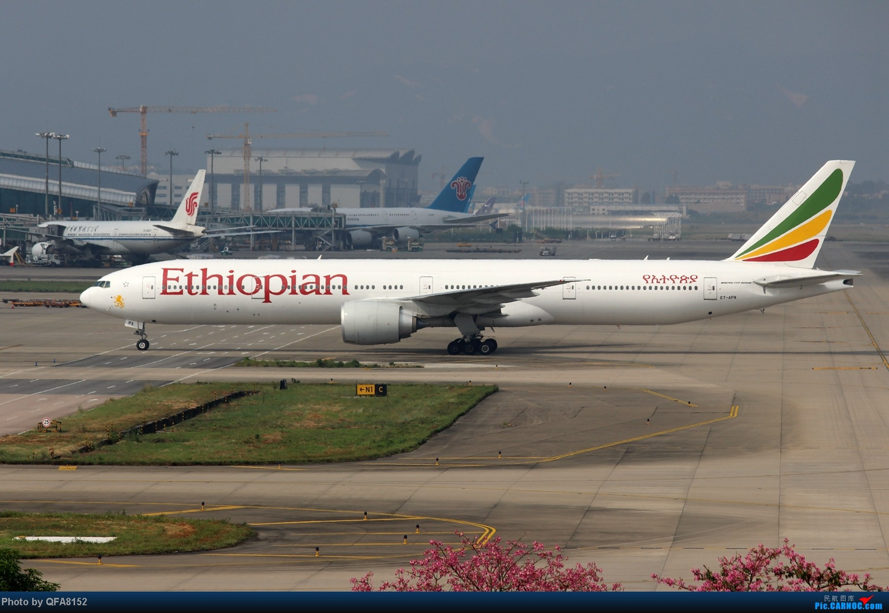 Re:[原创]2014.10.2广州白云消防塔拍机 BOEING 777-300ER ET-APX 中国广州白云机场